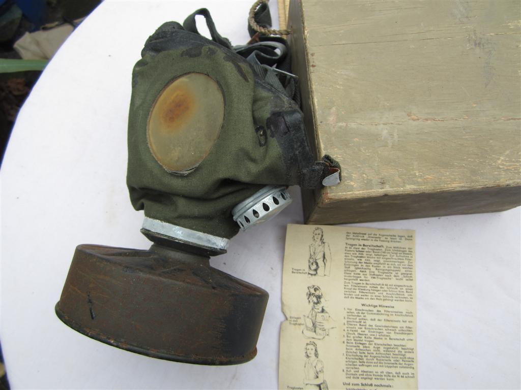 WW2 German M44 Civilian gasmask